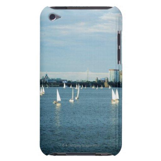 Veleros en un río, el río Charles, Boston, 2 iPod Touch Cobertura