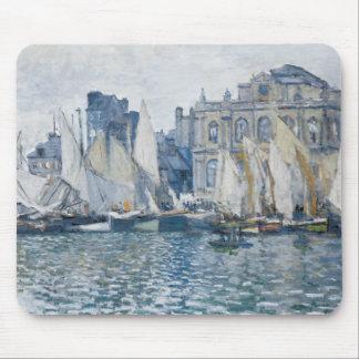 Veleros y museo de Le Havre en azul Alfombrilla De Ratón