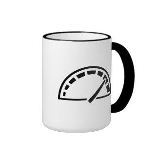 Velocímetro del coche de la velocidad tazas de café