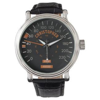 Velocímetro transparente en los relojes de los