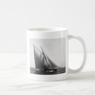 Vencedor: 1897 coffee mug