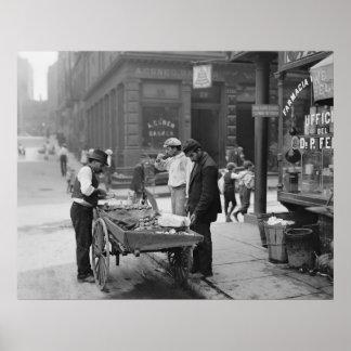 Vendedor de la almeja en la mora Street, 1900 Póster
