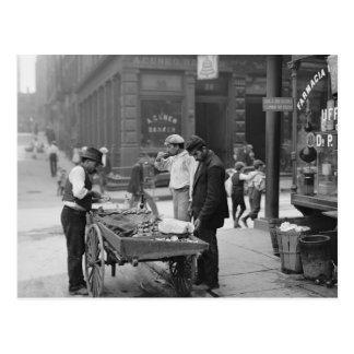 Vendedor de la almeja en la mora Street, 1900 Postal