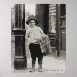 Vendedor de periódicos en St. Louis de Lewis Wicke Poster