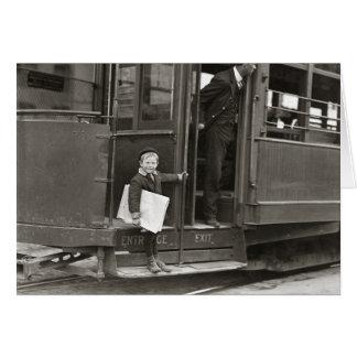 Vendedor de periódicos que monta a Trolley, 1910 Tarjeta De Felicitación