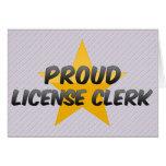 Vendedor orgulloso de la licencia tarjetas