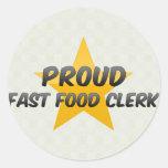 Vendedor orgulloso de los alimentos de preparación etiqueta redonda