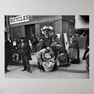 Vendedores ambulantes del pan italiano: 1900 poster