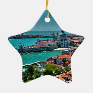 Venecia Adorno Para Reyes
