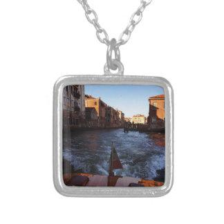 Venecia en barco colgante cuadrado