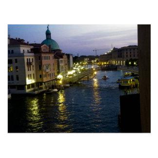 Venecia en la noche postales