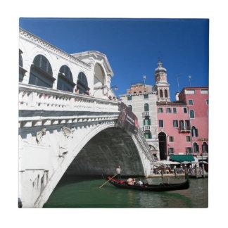 Venecia hermosa, puente de Rialto Azulejo Cuadrado Pequeño