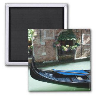 Venecia, Italia - foto del detalle de la góndola Imán Cuadrado