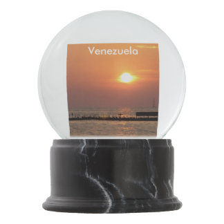 venezuela-2.jpg snow globes