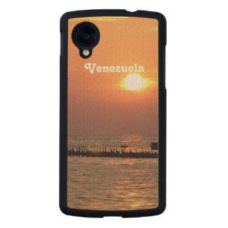 Venezuela Carved® Maple Nexus 5 Slim Case