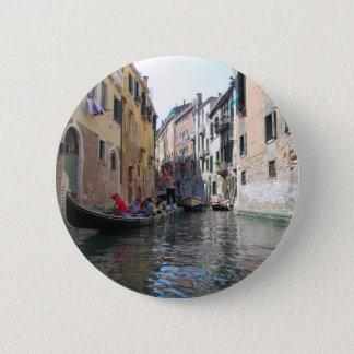 Venice canal button