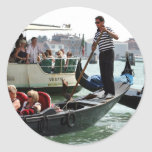VENICE GONDOLIERS ON THE GRAND CANAL CLASSIC ROUND STICKER