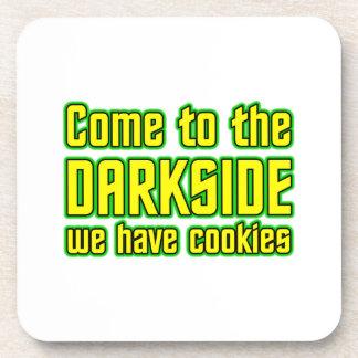 Venido al Darkside tenemos galletas Posavaso