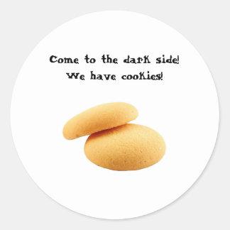 ¡Venido al lado oscuro! ¡Tenemos galletas! Pegatina Redonda