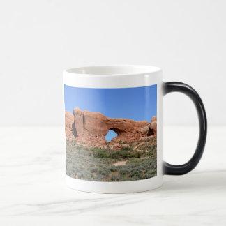 Ventana a tiempo taza de café
