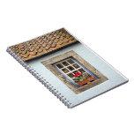 Ventana escocesa pequenita vieja, cuaderno