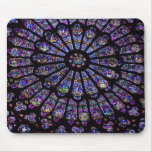 Ventana púrpura de la iglesia del vitral alfombrillas de ratones