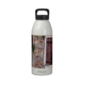 Ventana resistida tiempo botella de agua reutilizable