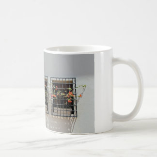 ventana y pared taza de café
