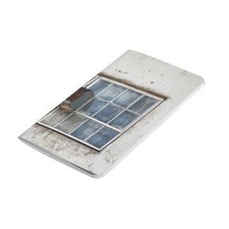 ventilación de la ventana de la pared del daño cuaderno