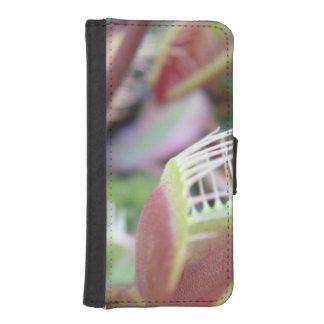 Venus Flytrap iPhone 5 Wallet Cases