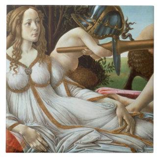 Venus y Marte, c.1485 (tempera y aceite) Azulejo Cuadrado Grande