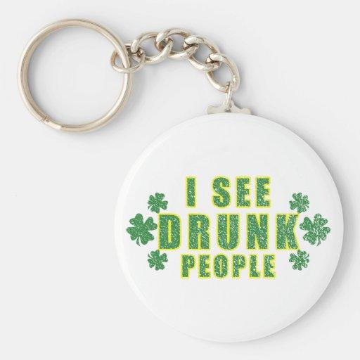 Veo a gente borracha llaveros personalizados