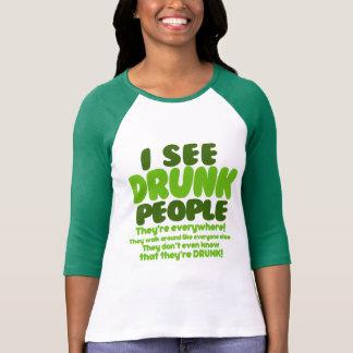 Veo a gente borracha tee shirt