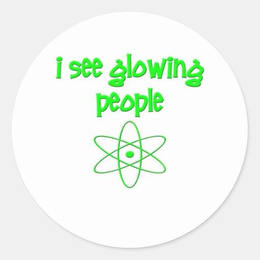 Veo a gente que brilla intensamente pegatina redonda