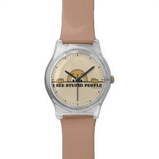 Veo diseño divertido del refrán de la gente relojes de pulsera