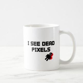 Veo los pixeles muertos taza clásica