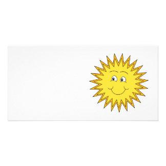 Verano amarillo Sun con una cara feliz Plantilla Para Tarjeta De Foto