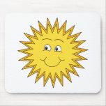 Verano amarillo Sun con una cara feliz Alfombrilla De Raton