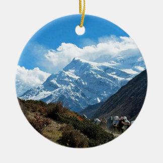 Verano del viaje de Himalaya el monte Everest la Adorno Navideño Redondo De Cerámica