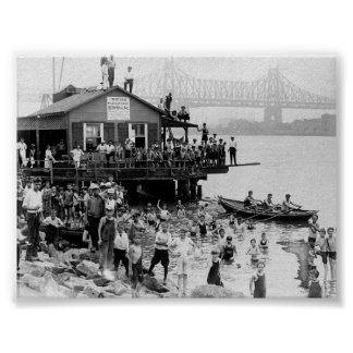 Verano en el East River, Nueva York 1921 NY Poster