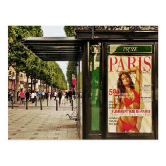 Verano en la postal de París