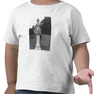 Verano, estatua en los jardines camiseta