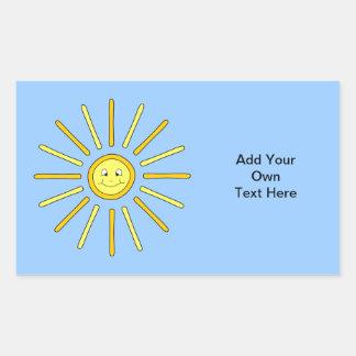 Verano feliz Sun. Amarillo y azul Pegatina Rectangular