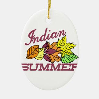 Verano indio adorno navideño ovalado de cerámica