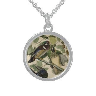 Verano o pato de madera collar de plata esterlina