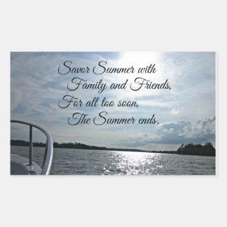 Verano soleado en el agua pegatina rectangular