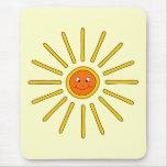 Verano soleado Sun. Amarillo en la crema Alfombrilla De Ratón