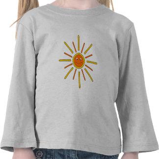 Verano sonriente Sun. Amarillo y naranja Camisetas