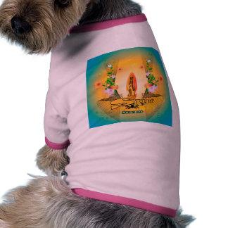 Verano y el practicar surf camiseta con mangas para perro