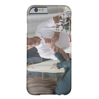 """Verbinden Sie das Unterzeichnen der Phrase """"neues  Barely There iPhone 6 Case"""